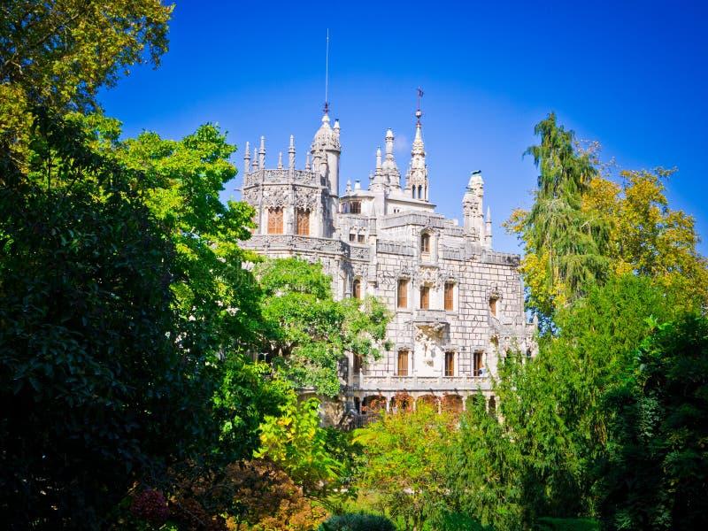 regaleira för da quinta Slotten och parkerar komplexet i Portugal royaltyfri fotografi
