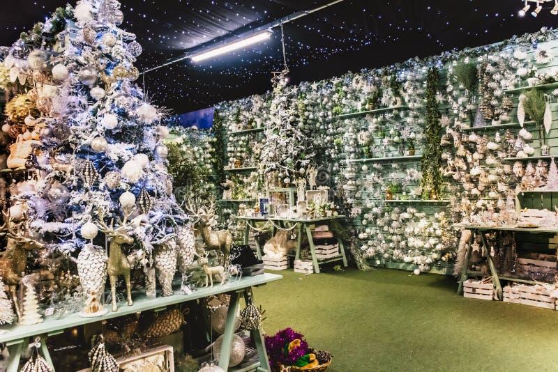 Regali e decorazioni di Natale fotografie stock libere da diritti