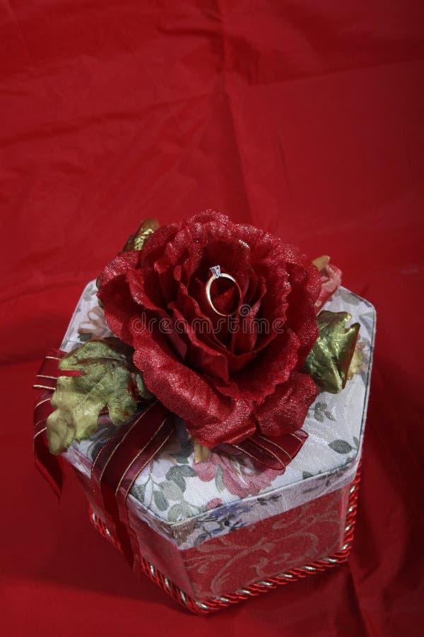 Regalo de boda foto de archivo libre de regalías