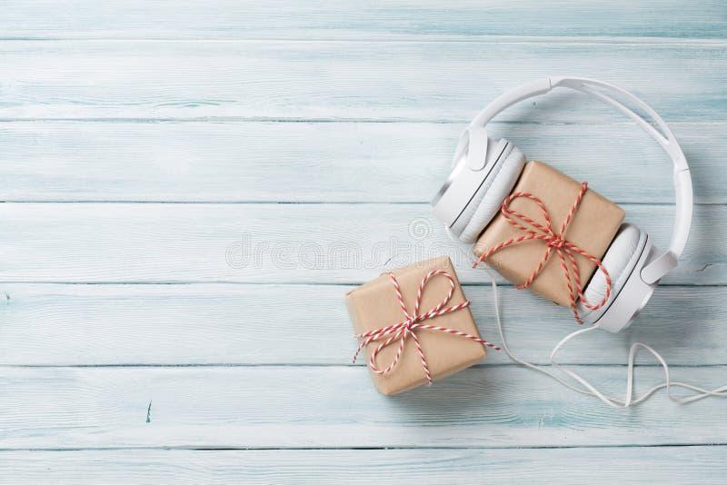 Regalo de la música de la Navidad fotos de archivo libres de regalías