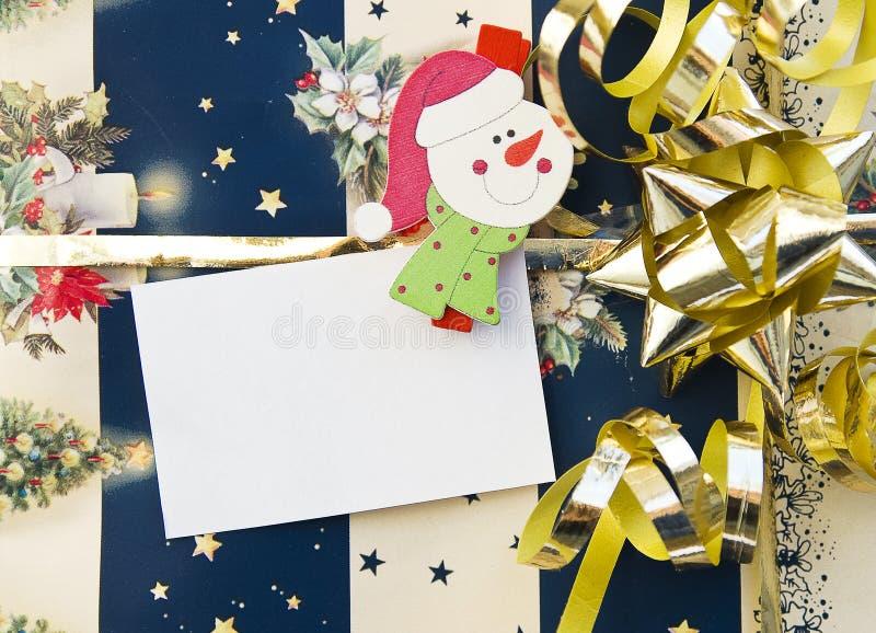 Regalo de la Navidad con la tarjeta vacía imagen de archivo libre de regalías