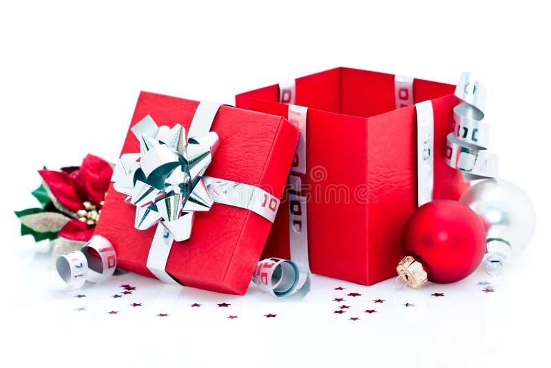 Regalo de Navidad abierto imagen de archivo