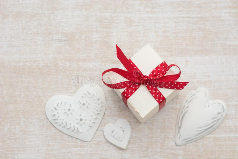 Regalo del día de tarjetas del día de San Valentín imágenes de archivo libres de regalías