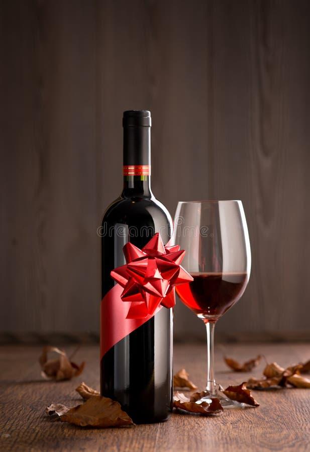 Regalo dello speciale del vino fotografia stock libera da diritti