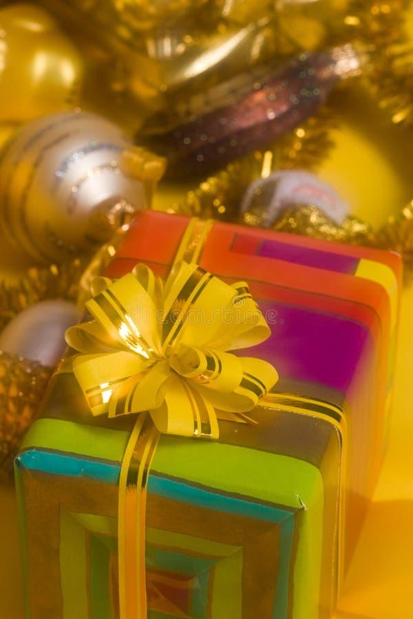 Download Regalo di natale immagine stock. Immagine di yellow, nuovo - 3877733