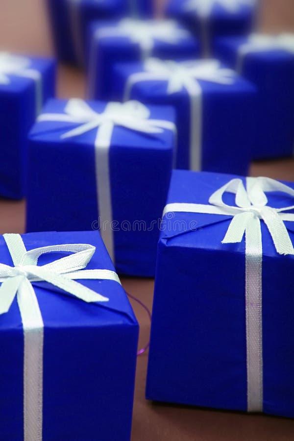 Regalos azules fotos de archivo libres de regalías