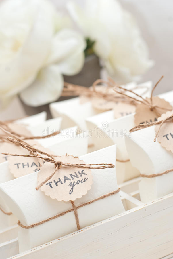 Regalos de boda para la huésped foto de archivo libre de regalías