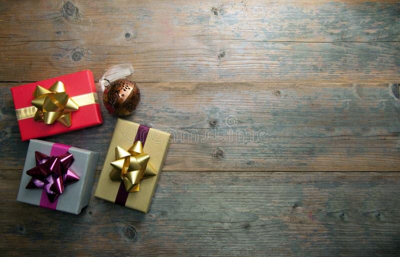 Regalos de la Navidad con el espacio de la copia foto de archivo libre de regalías