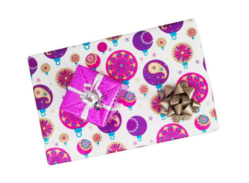 Regalos de la Navidad con las cintas envueltas en un papel colorido fotografía de archivo libre de regalías