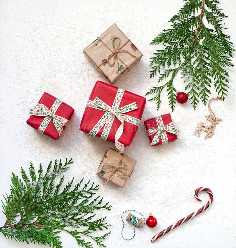 Regalos de la Navidad en el fondo blanco foto de archivo libre de regalías