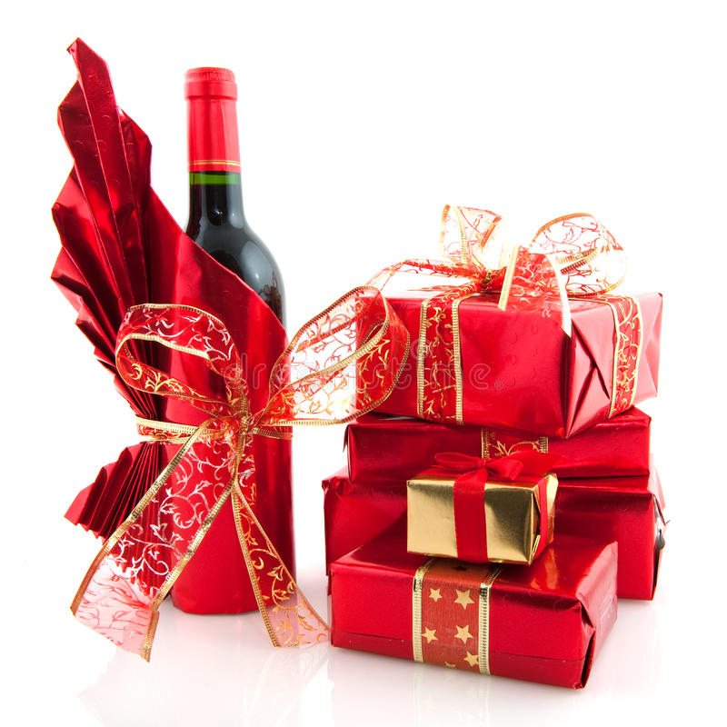 Regalos de Navidad en rojo foto de archivo libre de regalías
