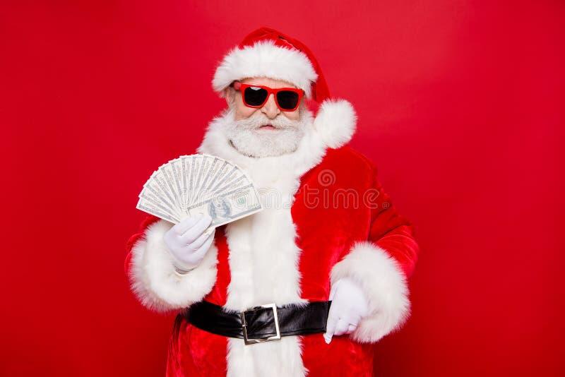 Regalos del presente de la víspera del noel del invierno de las Navidades Millionai confiado imagen de archivo libre de regalías