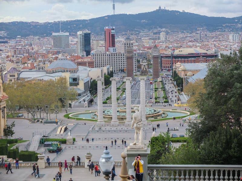 Regard au-dessus de la ville Espagne de Barcelone image stock