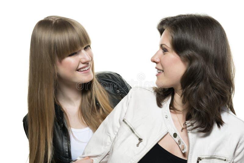 Regard de deux femmes photo libre de droits