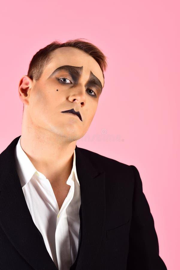 Regard expressif Artiste Man de pantomime avec le maquillage de pantomime Pantomime avec la peinture de visage Acteur de théâtre  photographie stock libre de droits
