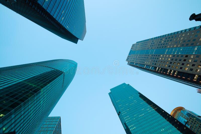 Regard- les milieux modernes de bâtiments de ville de Changhaï photos libres de droits