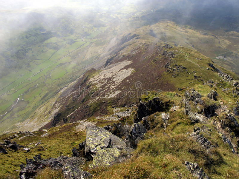 Regardant en bas de Cnicht, Snowdonia, Pays de Galles image libre de droits