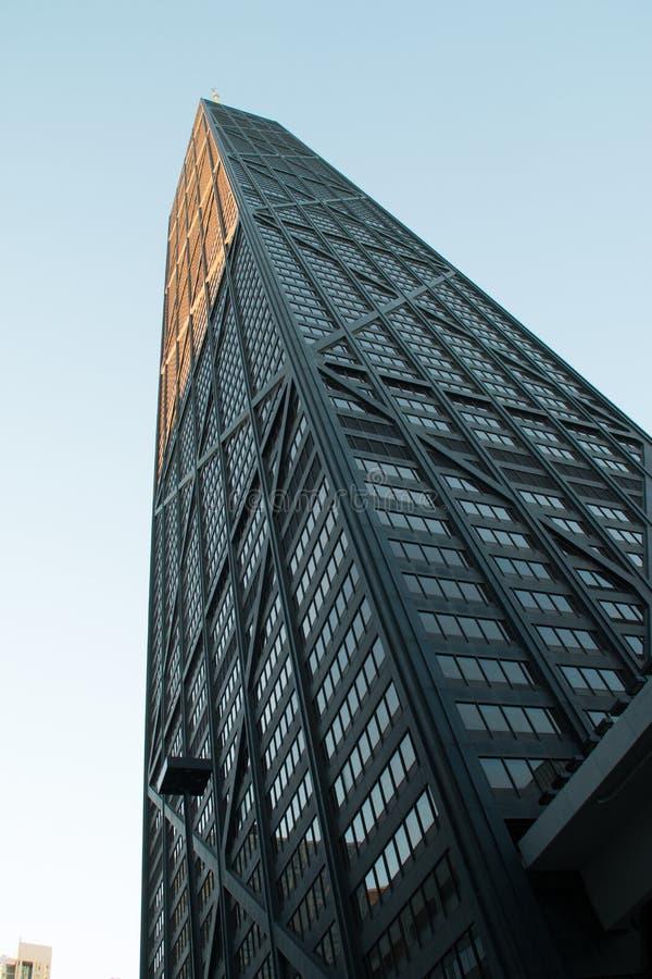 Regarder les bâtiments du centre de gratte-ciel de Chicago photographie stock libre de droits