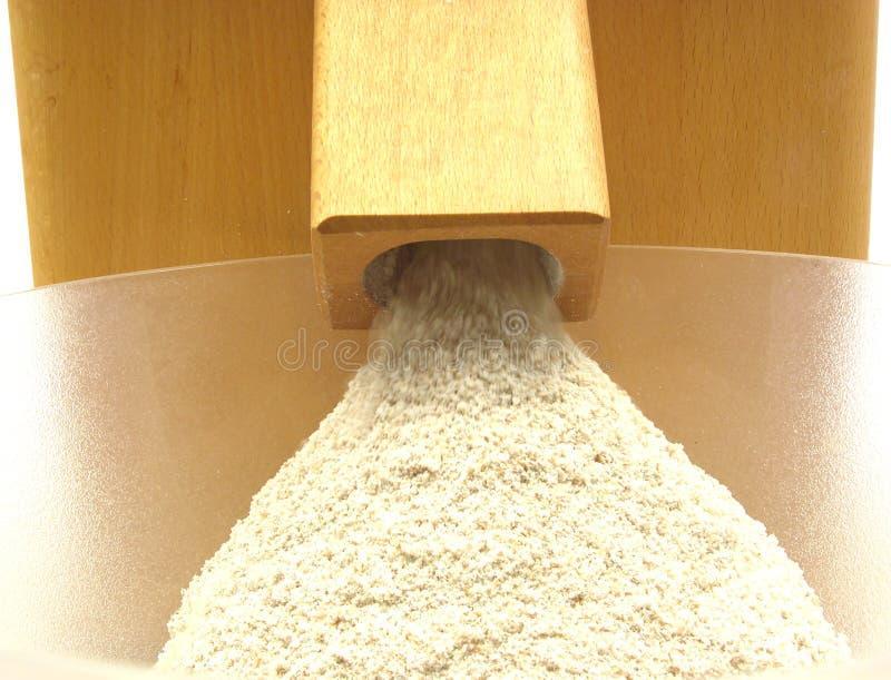 Regarder un moulin à farine photographie stock libre de droits