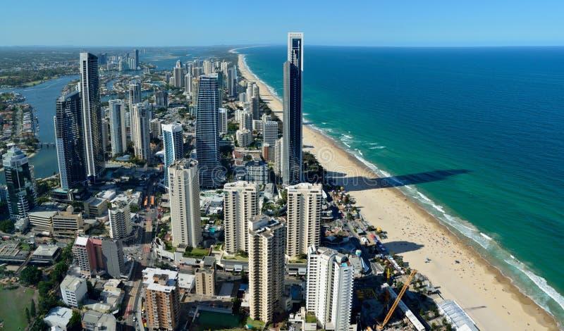 Regardez au-dessus du paradis de surfers dans l'Australie photos stock