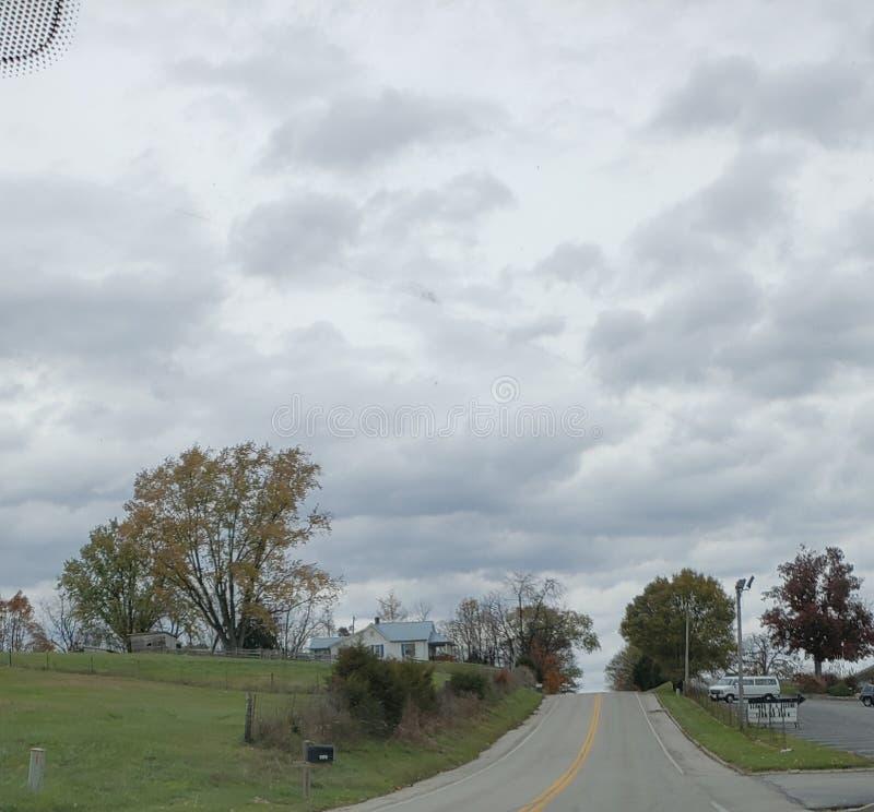 Regardez le beau ciel images libres de droits