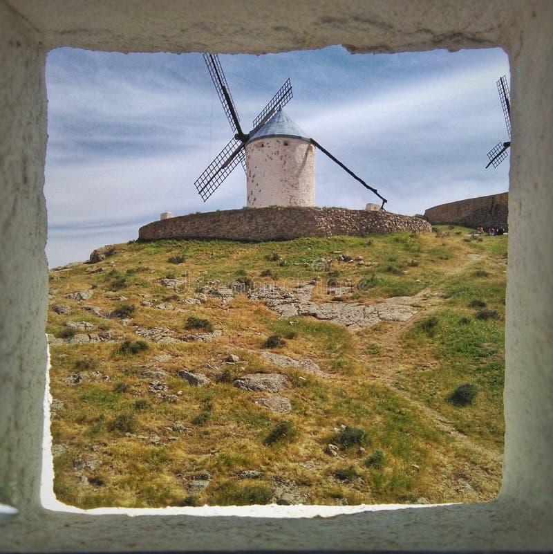 Regardez le moulin à vent photos libres de droits
