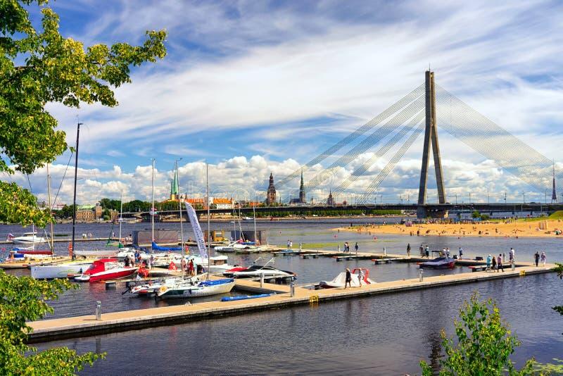 Regatta in de zomer in Riga stock fotografie