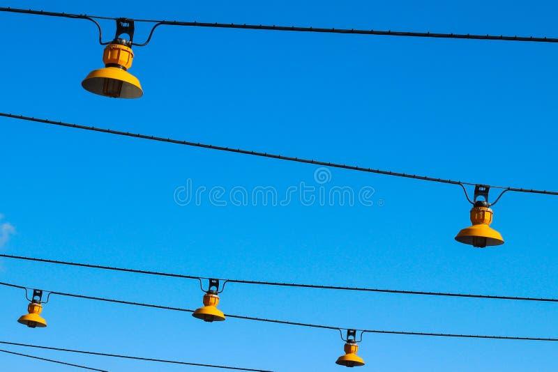 Regelmatige, gele lampen royalty-vrije stock afbeeldingen