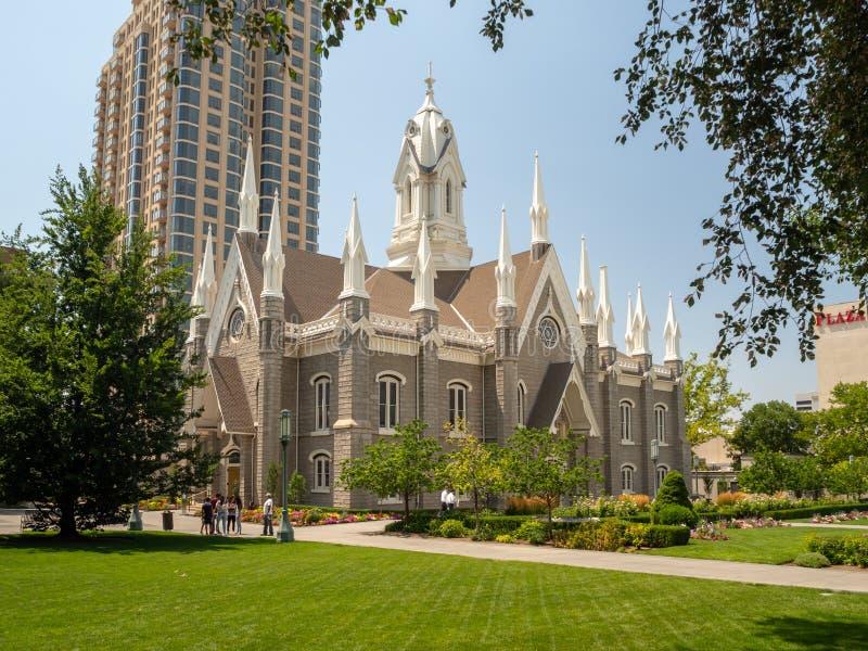 Regelt de Mormoonse Tempel van Salt Lake van de Kerk van Jesus Christ van laatstgenoemde-Dagheiligen op Tempel de stad, Utah stock fotografie