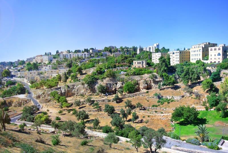 Regelungen auf dem Weg nach Jerusalem an einem sonnigen Tag des Sommers lizenzfreies stockfoto