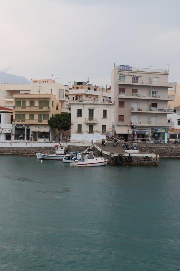Regen in Agios Nikolaos stockfoto