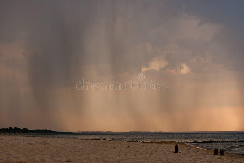 Regen in de afstand stock fotografie