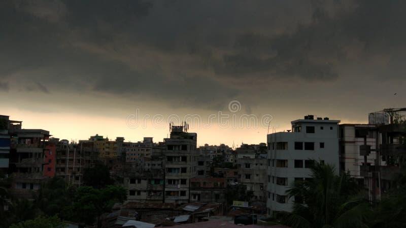 Regen met onweer in de Stad stock foto