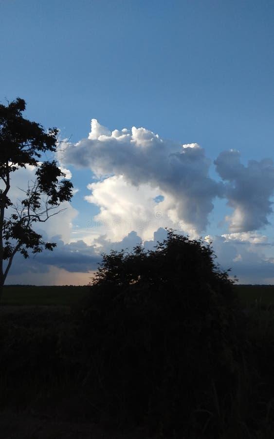 Regen/Sonnenschein lizenzfreies stockbild