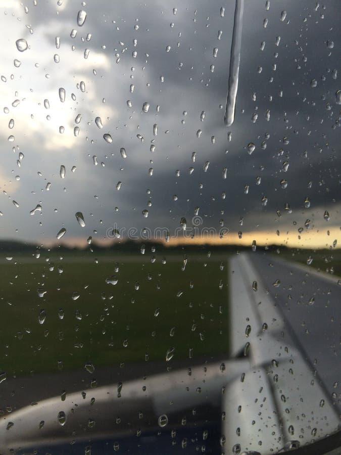 Regenachtig venster stock fotografie