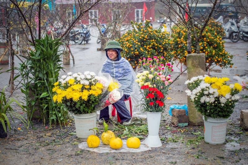 Regenachtige dag bij de markt in Sapa, Vietnam stock foto