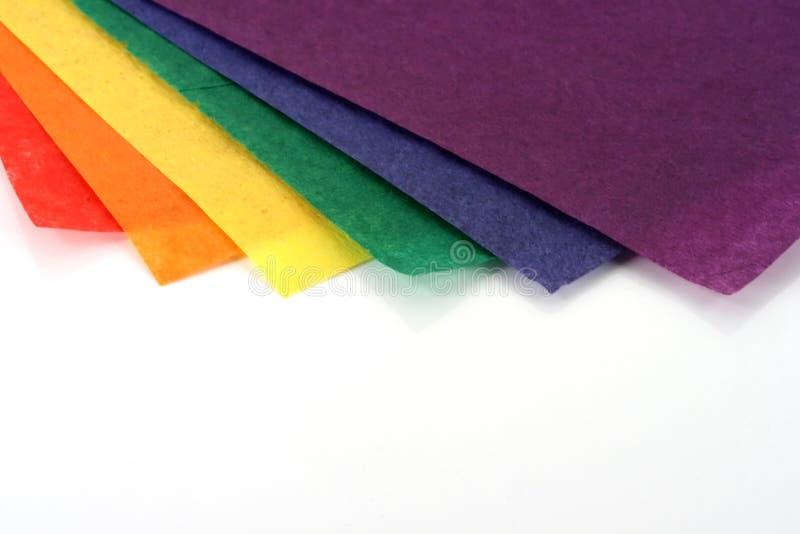 Regenbogen farbiges Fertigkeitpapier lizenzfreie stockfotografie