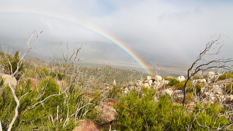 Regenbogen im Anza-Borrego Wüsten-Nationalpark stockfoto
