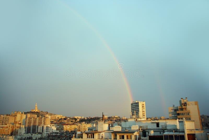 Regenbogen Marseille stockfoto