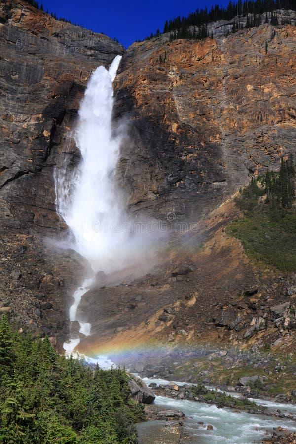 Regenbogen unter Takakkaw-Fällen - BC- Kanada lizenzfreie stockfotografie
