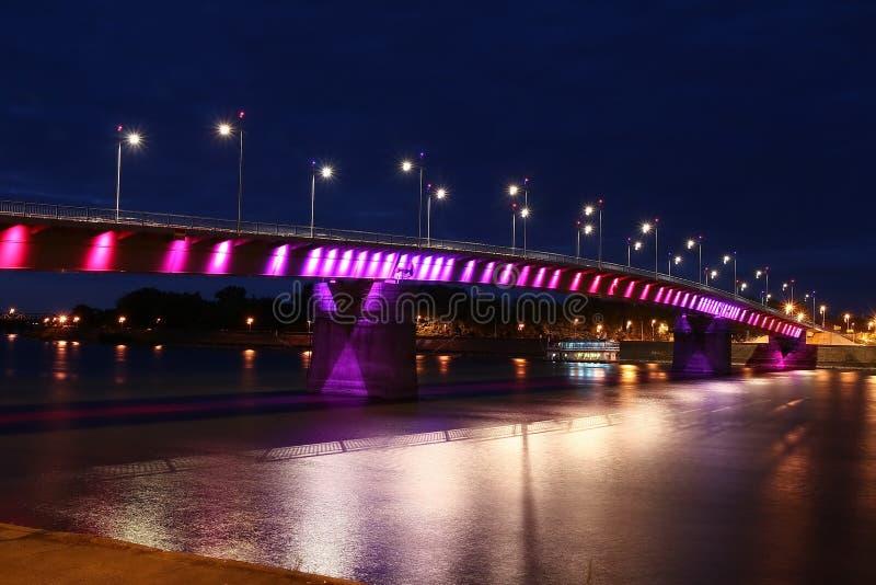 Regenbogenbrücke stockbild