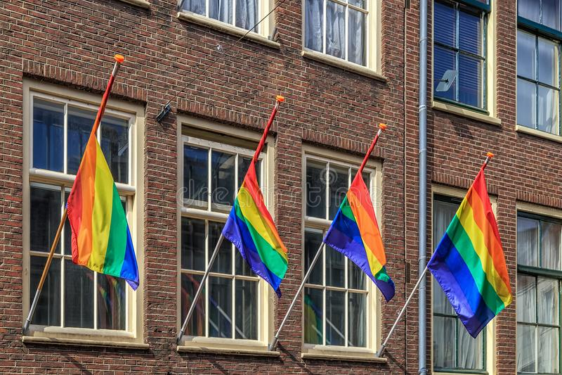 Regenbogenflagge, selektiver Fokus, Amsterdam stockfotos
