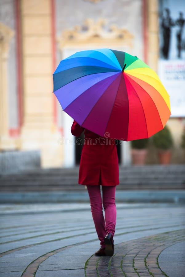 Regenbogenregenschirm stockfotos
