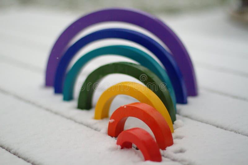 Regenboog houten stuk speelgoed royalty-vrije stock foto