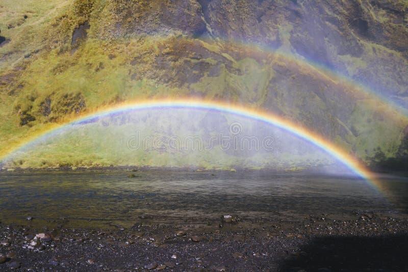 Regenboog op rivier royalty-vrije stock fotografie
