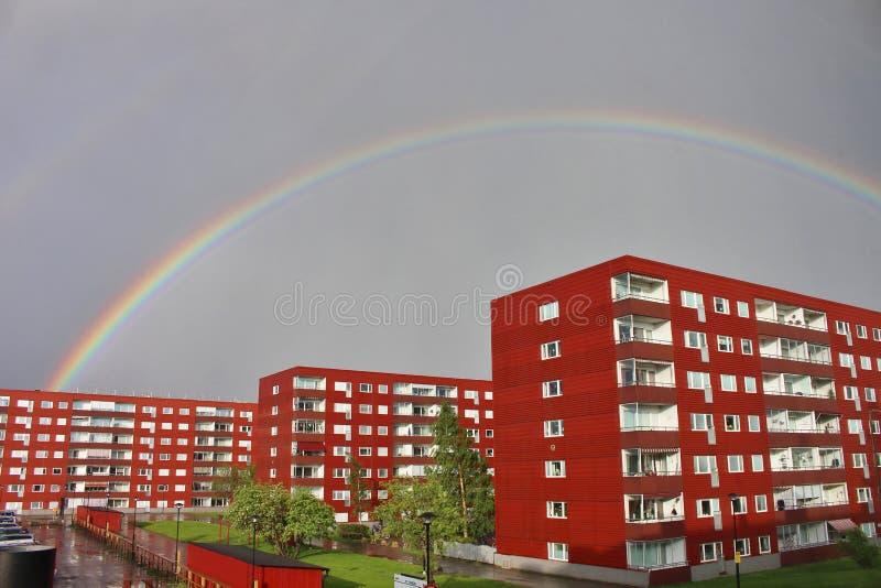 Regenboog over Varvet in Luleå stock afbeelding