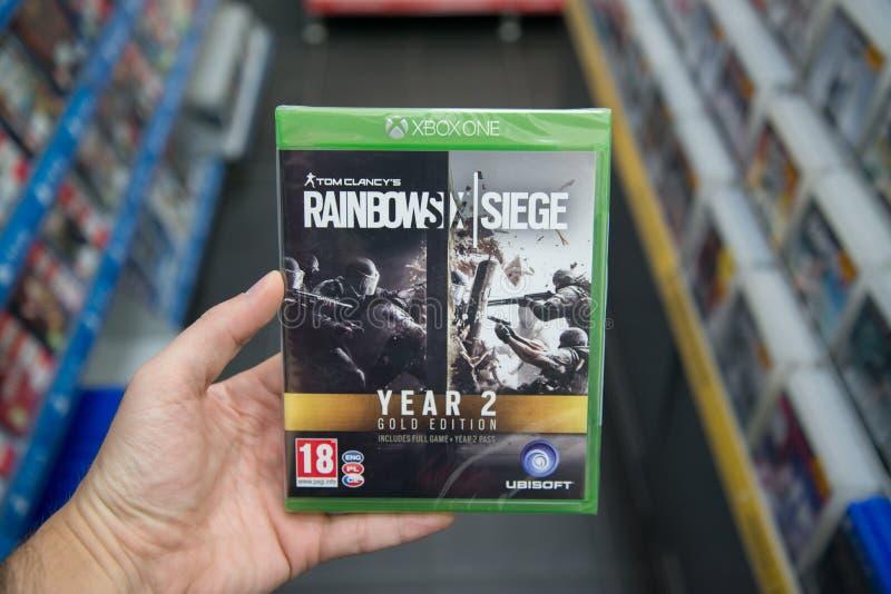 Regenboog Zes Belegeringsjaar 2 van Tom Clancy ` s Gouden Uitgavenvideospelletje op XBOX  stock foto