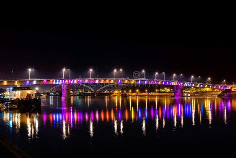 Regenboogbrug, Novi Sad, Servië stock afbeeldingen