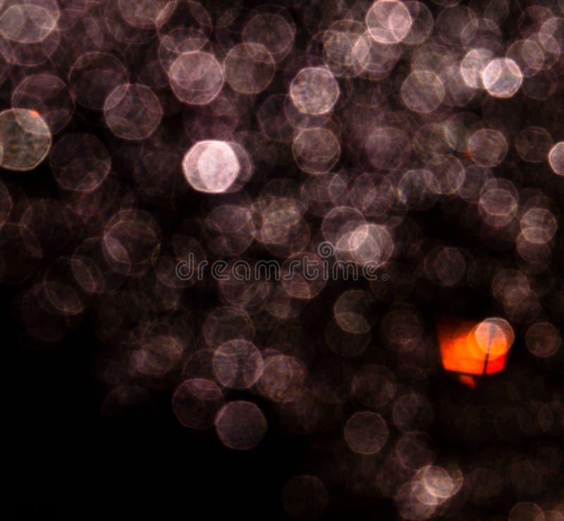 Regendruppels bij nacht royalty-vrije stock afbeeldingen