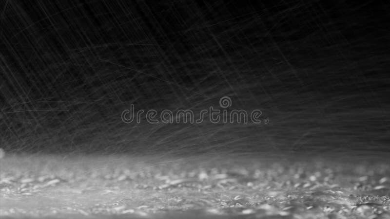 Regendruppels van Stroomversnelling op Glas stock fotografie